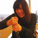 シャンパンあける7889